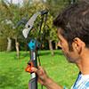 Uma nova geração de tesouras de ramos e cabos telescópicos combisystem da Gardena