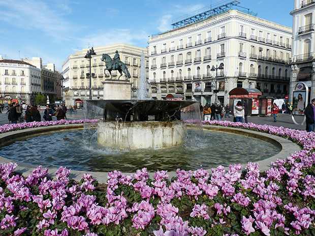 abertura- praça em Madrid